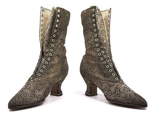 Shoes 1900
